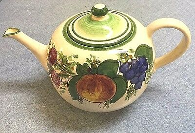 Vietri Pottery-1 Liter Teapot Enza Green.Made/Painted by hand in Italy