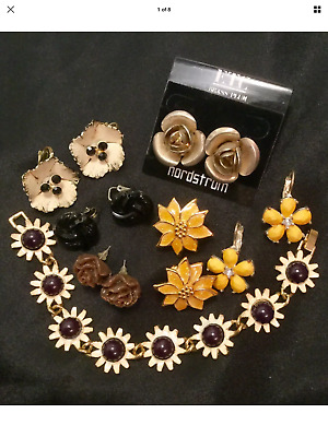 Vintage Now Estate Find Jewelry Lot Junk Drawer Unsearched Untested  Flowers