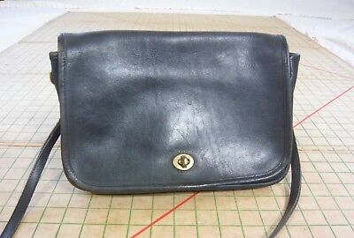 COACH vintage 80s black cowhide BAG PURSE brass thumb-latch hardware