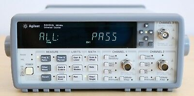HP / Agilent 53131A 225 MHz Universal Frequency Counter/Timer w / Option 010/030