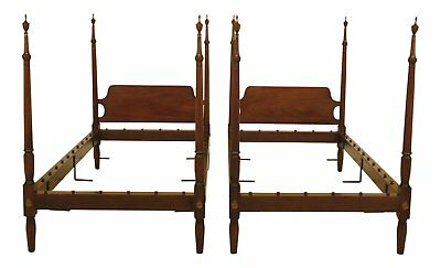 F46425EC/26EC: Pair KITTINGER Colonial Williamsburg Mahogany Twin Beds