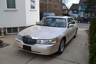 1998 Lincoln Town Car  1998 Lincoln Town Car CARTIER !!! ONE OWNER !!!