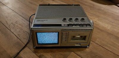 Vintage Hitachi CPT0652 Tv,radio And Tape Player
