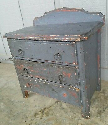 1860-1870s Folk Art Miniature Chest Of Drawers w/ Square Nails