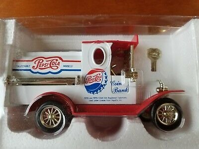 VINTAGE Pepsi Cola Coin Bank & Key Ltd Ed Die Cast Tanker Truck Car Golden NIB