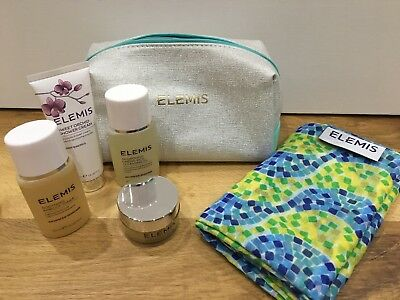 ELEMIS Make-up Bag Gift Set Pro-collagen Balm, Toner, Cleansing Oil, Shower Cr..