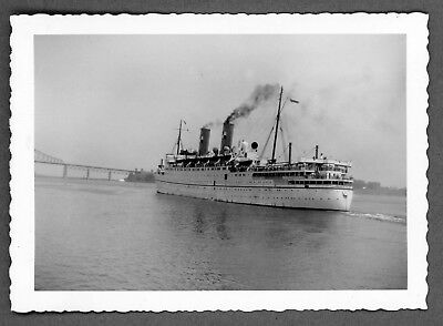 5 x Photographs set Canadian Pacific SS Empress of France, Montreal 1948 & 1954