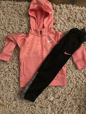 Girls Nike Outfit Size 5