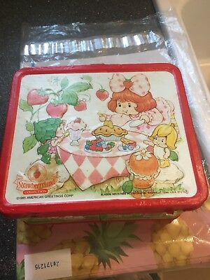vintage strawberry shortcake Doll BERRYKIN LUNCHBOX lunchpail With Thermos