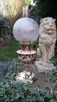 ***Beautiful***Victorian 'Aesthetic Movement'  Antique oil Lamp with Twin Burner