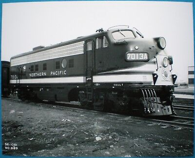 General Motors Photo Northern Pacific Railroad F9 Diesel Locomotive GM Diesel NP