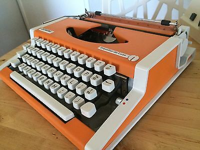 OLYMPIA Traveller de Luxe * Typewriter * ORANGE Excellent Condition With Case