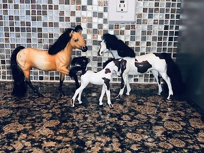 Grand Champions Stallion, Mare And Foal Toy Horses