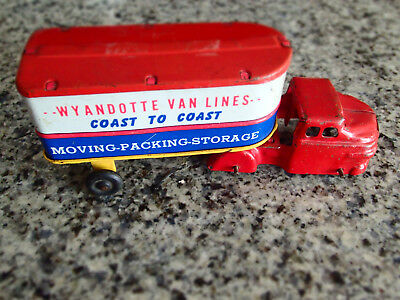 Wyandotte Vsn Lines  - Truck cab and Trailer  7 1/2 inches Long