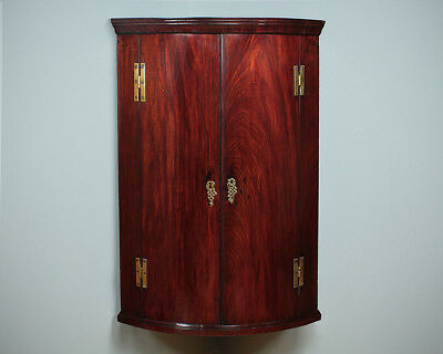 Antique Georgian Mahogany Bow Front Corner Cupboard c.1800.