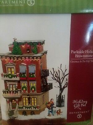 Department 56 Christmas in The City ..Parkside Holliday Brownstone