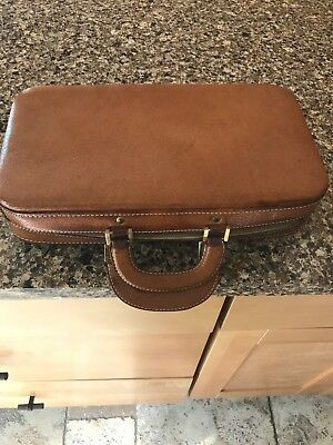 VNTG LEATHER TRAVEL GROOMING CASE KIT FRENCH RARE Stamped 3 parts 21 piece CLEAN