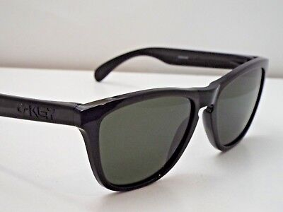 64e2d71397 Authentic Oakley OO9013-05 Frogskins Polished Black Grey Green Sunglasses