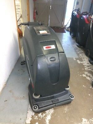 """Viper Fang 24T battery powered 24"""" industrial scrubber drier. Traction driven"""