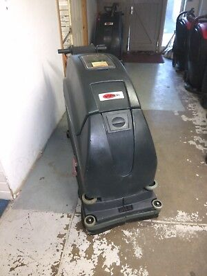 """Viper Fang 20HD battery powered 20"""" industrial scrubber drier. Traction driven"""