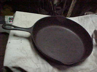 Vintage Griswold # 8 Cast Iron  Skillet Frying Pan -  Large Logo Slanted Letters