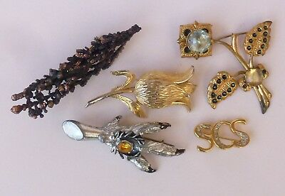 A Job Lot Of 5 Vintage Brooches