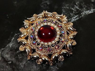 Lovely Vintage Retro Gold Tone Red Jelly Belly Faux Ruby and Pearls Brooch