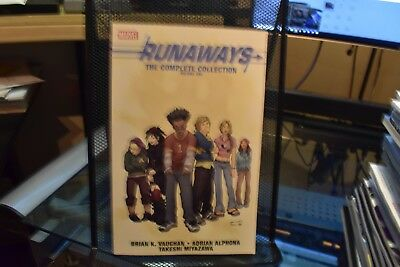 Runaways The Complete Collection Volume 1 Marvel TPB HUGE 448 Pages Vaughan