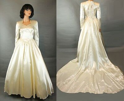 28fe46a8bf2a Vintage Wedding Gown XS Off White Ivory Thick Satin Long Sleeve Dress w/  Train