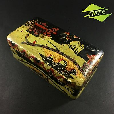 STRIKING c.1940's JAPANESE ART LITHO BISCUIT CONFECTIONARY TIN PAGODA GEISHA