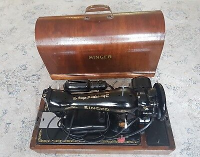 Antique Singer Sewing Machine Model 15 AK832270 With Wood Case