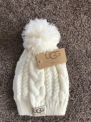 NWT WOMEN S UGG Cable Knit Pom Pom Beanie Hat cafe2bcf5
