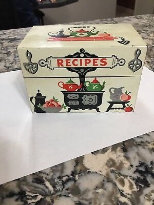 Vintage Stylecraft Metal Recipe Box Primitive Country Farmhouse Litho w/ Cards