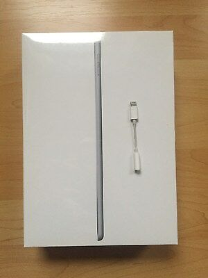 Apple iPad 6. Gen. 32GB, Spacegrau, Neu + Extra