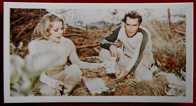 SPACE 1999 - Card #027 - MATTER OF LIFE AND DEATH - BASSETT, 1976