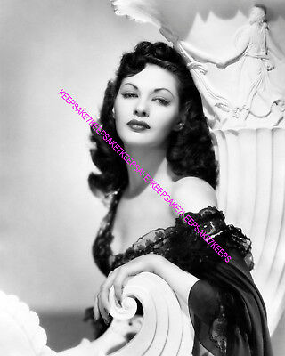 "ACTRESS YVONNE DE CARLO ABSOLUTELY GORGEOUS ""LILY MUNSTER"" 8x10 PHOTO A-YD7"