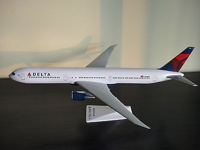 1/200 Delta Airlines Boeing B767-400 new color airplane Model