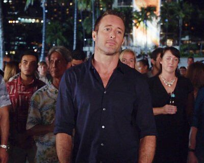 ALEX O'LOUGHLIN OLOUGHLIN 8X10 Depressed with the Heat PHOTO YME 83