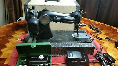 VINTAGE SINGER SEWING MACHINE Model 15 (1953) Electric Foot Pedal Carrying Case