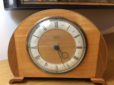 Smiths 30 Hour Wooden Wind Up Mantle Clock.