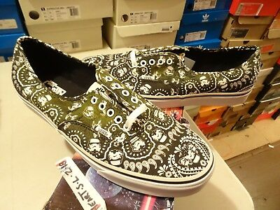 ee70cbeae7 New Rare Vans Authentic Star Wars Storm Trooper Bandana Sz 13 Art Kaws  Supreme