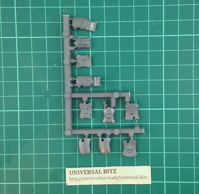 Warhammer AOS Empire Free Peoples Freeguild Guard Shields x 10 on sprue N14 B