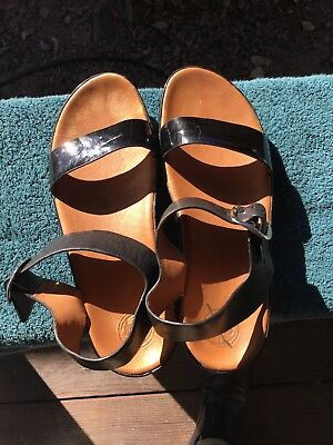 3253b165c31e08 ... Wedge Flip Flops Sandals Sz 11 Leather Upper.