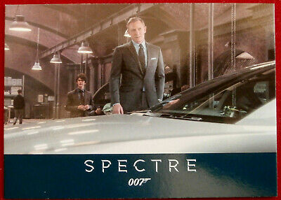 JAMES BOND - SPECTRE - Card #013 - Q GIVES BOND A WATCH - Rittenhouse