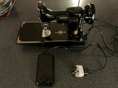 Vintage Singer Featherweight 221K Sewing Machine, Carrycase, Accessories, Manual