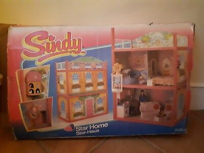 Late Sindy Pedigree Star House 1986 with huge bundle of boxed furniture