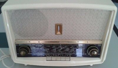 radio philips - B4F70 A/03 (ne fonctionne pas, need to be repaired)