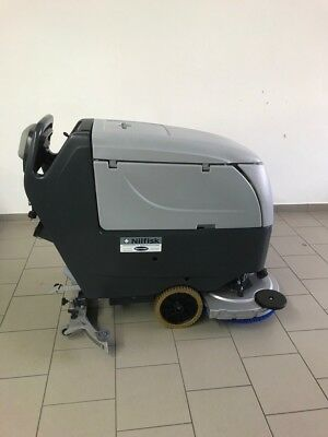 Nilfisk BA551 SCRUBBER DRYER WITH NEW BATTERY