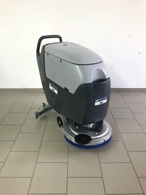 Nilfisk BA531  Floor Cleaner WITH NEW BATTERY