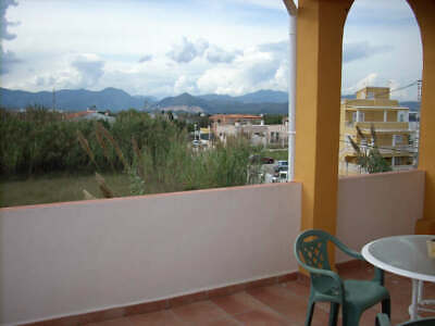 Large Spanish house 150 meters from the ocean, for sale or exchange.
